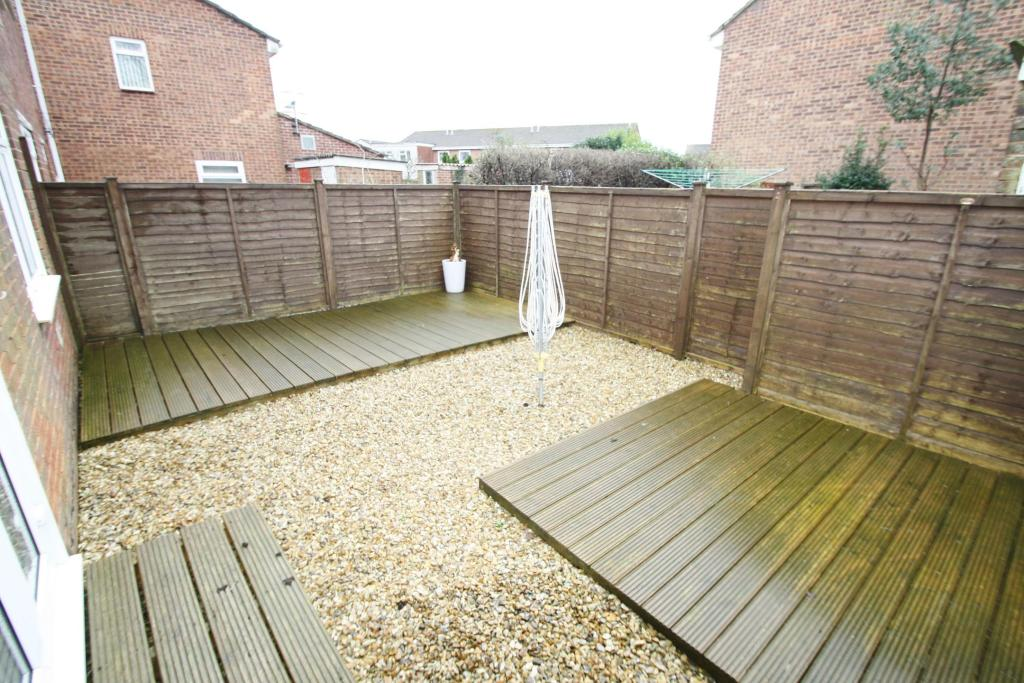 Garden-2-bed-flat-WentwoodGardens-Plymouth