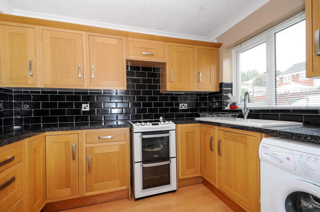 Kitchen-3bed-terracedhouse-DrakeCourt-Plymouth