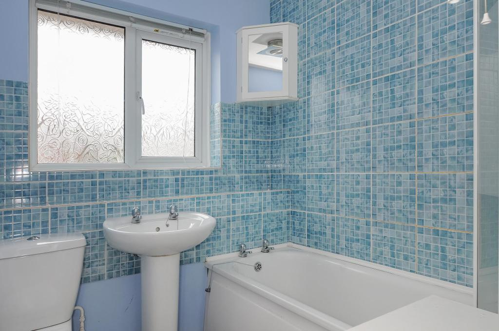 Bathroom-3bed-terracedhouse-DrakeCourt-Plymouth