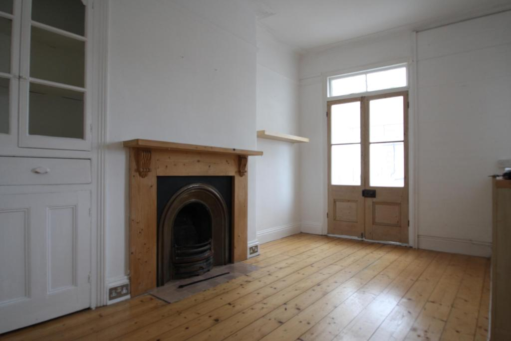 DiningRoom-3-bed-house-EndsleighParkRoad-Plymouth