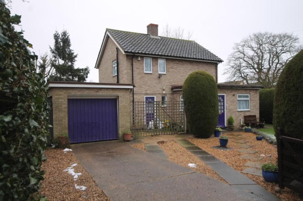 3 Bedroom Detached House For Sale In Wood Lane Papworth Everard Cambridge Cb23 Cb23