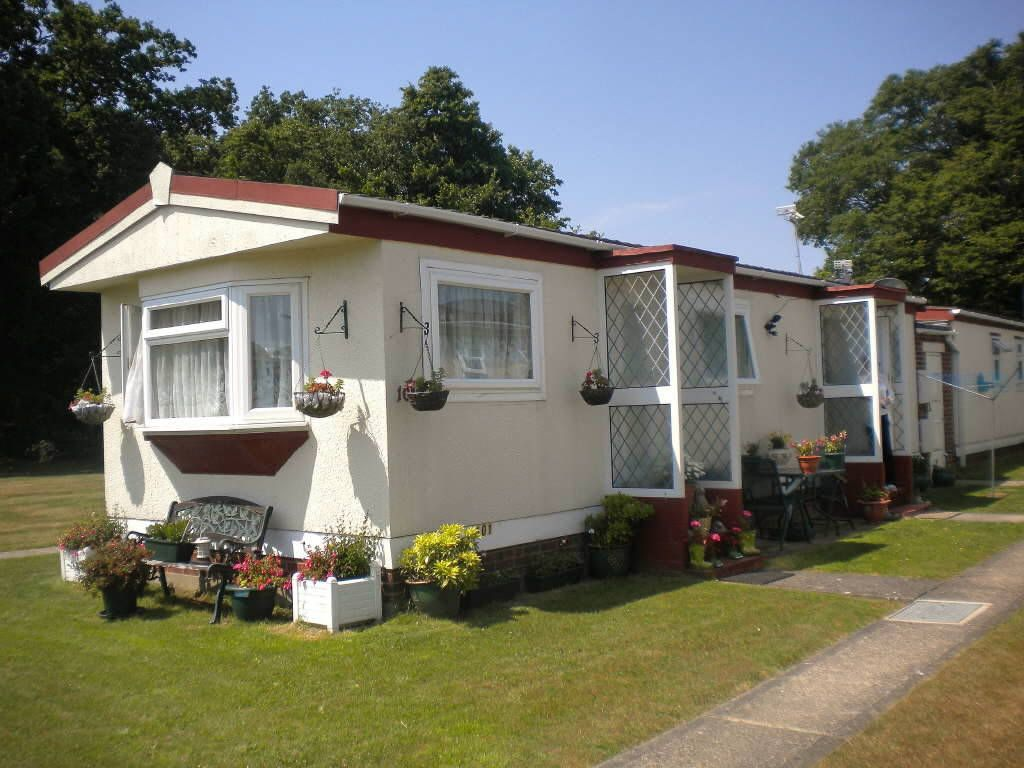 2 Bedroom Mobile Home For Sale In Meadowview Park Little Clacton Co16
