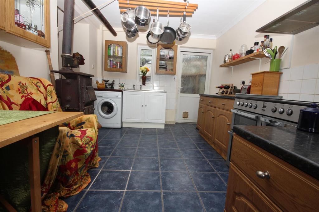 Kitchen -Bf room.JPG