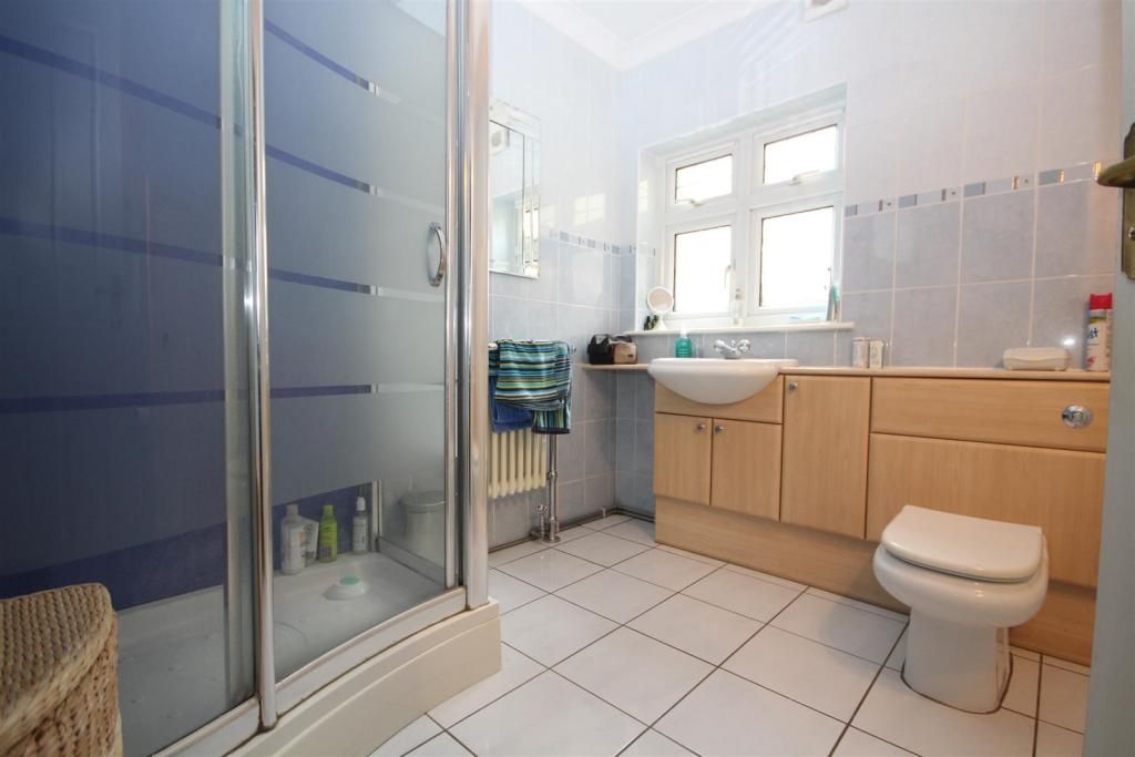 Ground Floor Shower