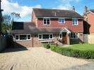 3 bed Detached house in Willow Close...