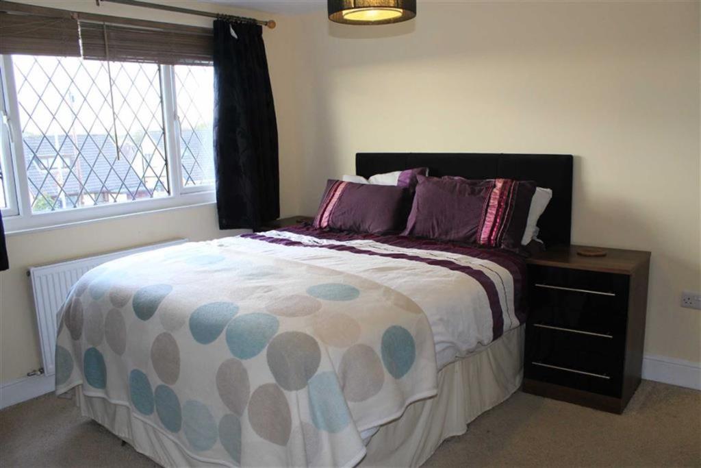 Master Bedroom - Sec