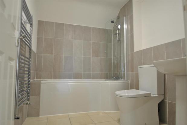 Flat 8 bathroom.jpg