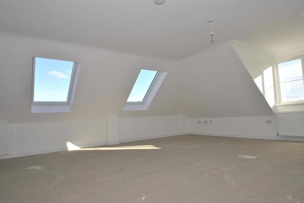 Flat 8 lounge kitche