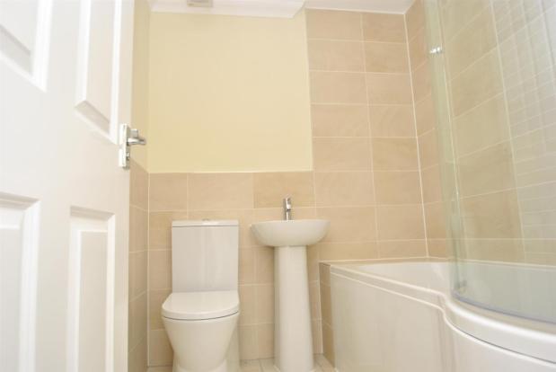 Flat 6 bathroom.jpg