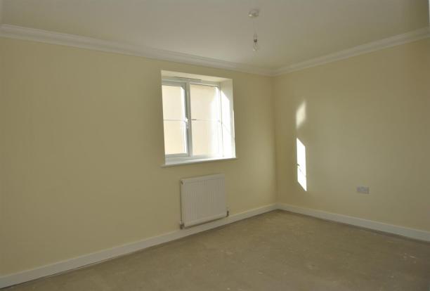 Flat 6 bedroom three