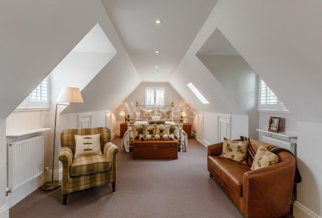 Stonebond Properties,Extra Space