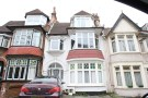 1 bed Flat to rent in Oakleigh Park Drive...