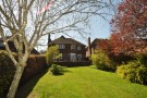 4 bedroom Detached home to rent in Pewley Way
