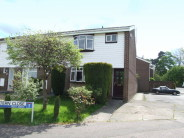 3 bedroom End of Terrace property in Chiltern Close...