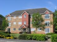 Flat to rent in Fenchurch Road, Crawley...