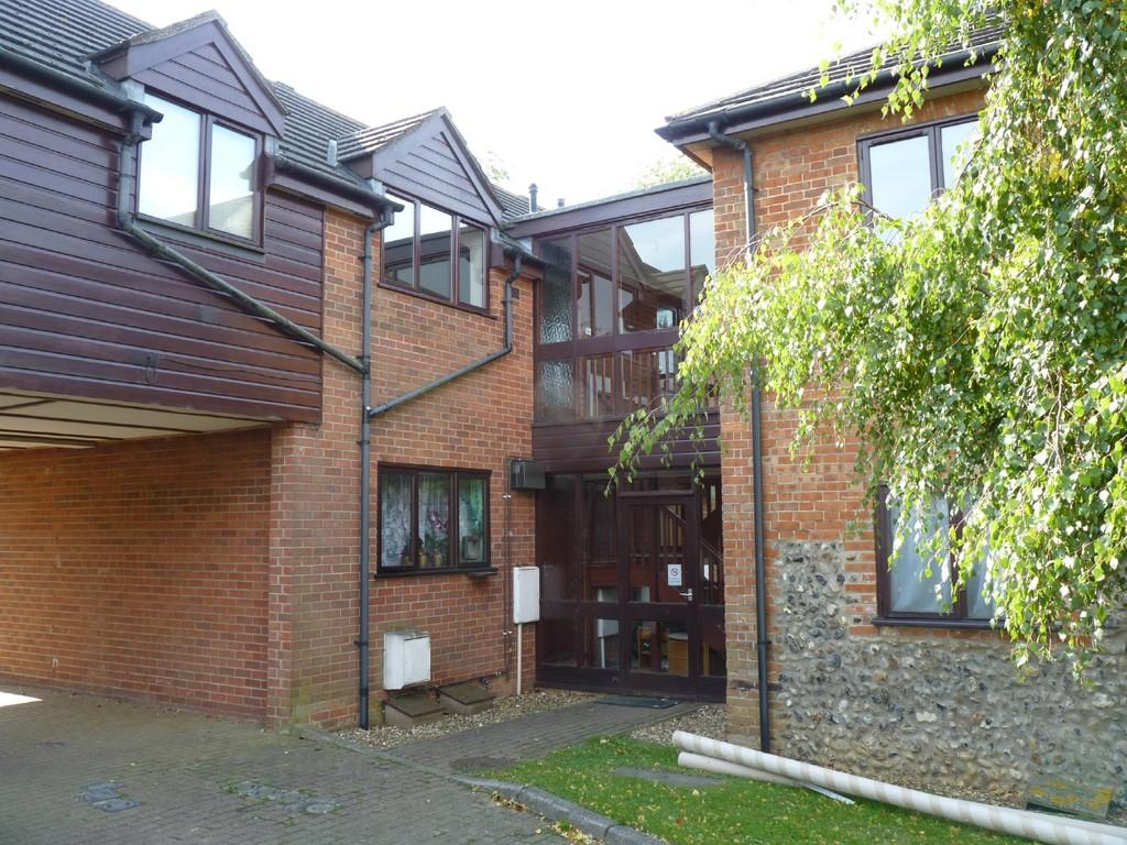 2 bedroom apartment for sale in mendham lane harleston for 2 bedroom apartments in norfolk