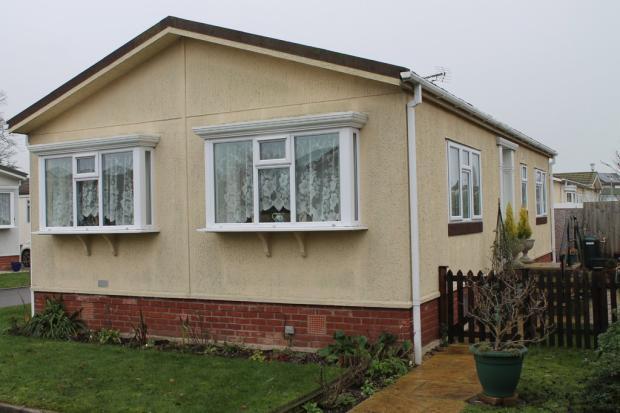 2 Bedroom Mobile Home For Sale In Waveney Park Diss Ip22 Ip22