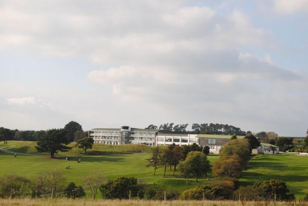 Golf course Re...