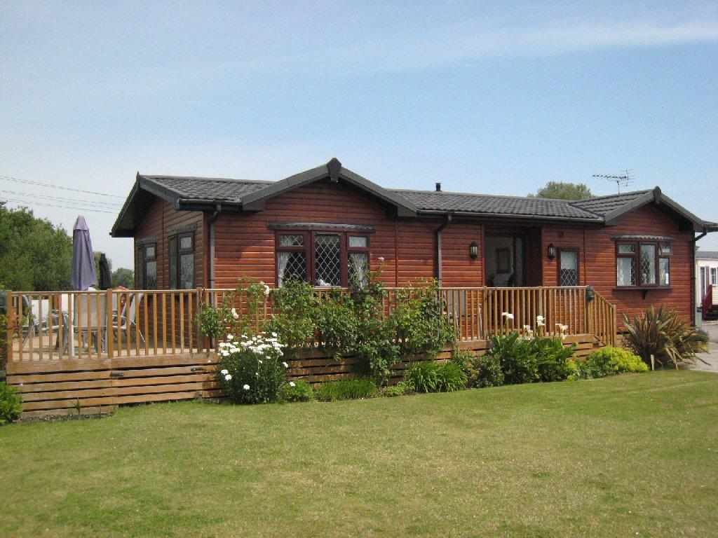2 bedroom log cabin for sale in 36 copse view lakeside for 2 bedroom log cabins for sale