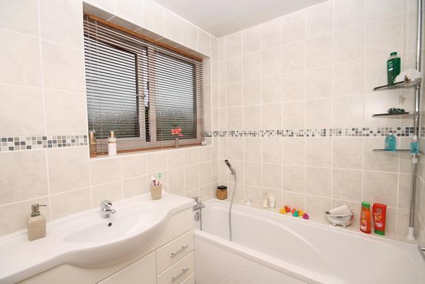 16 Whittle bath.jpg