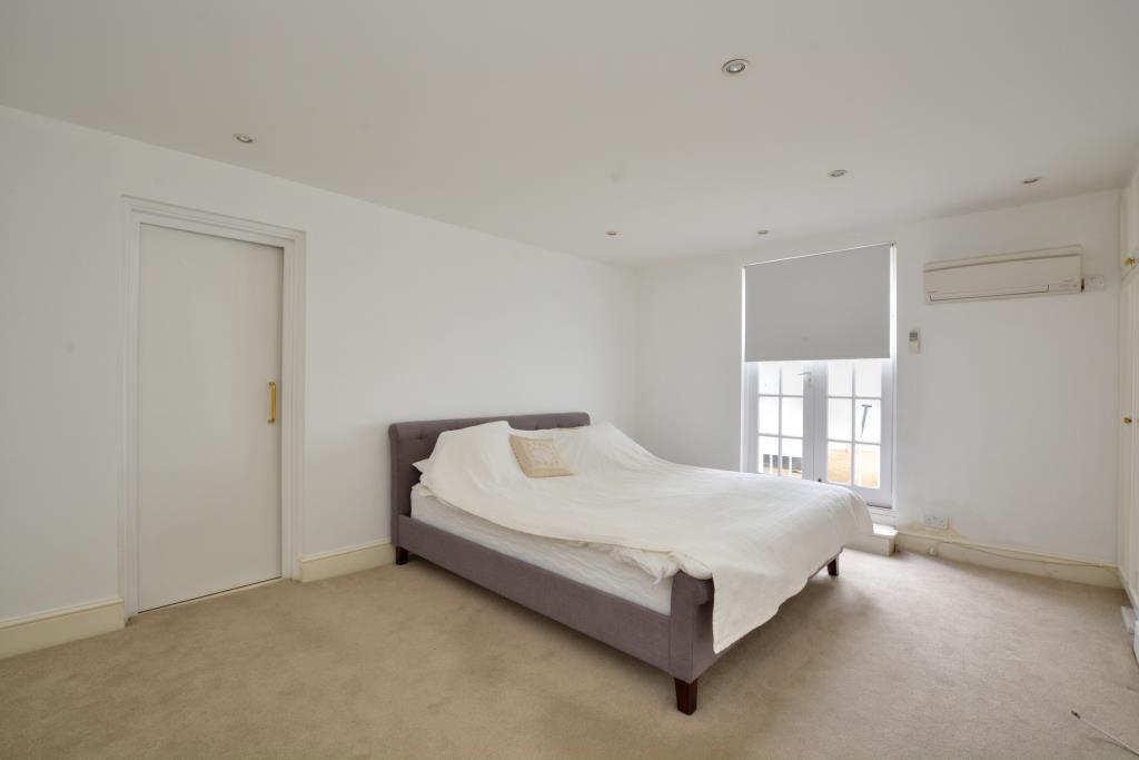Aneex Bedroom