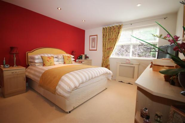 BEDROOM 1, PIC 1: