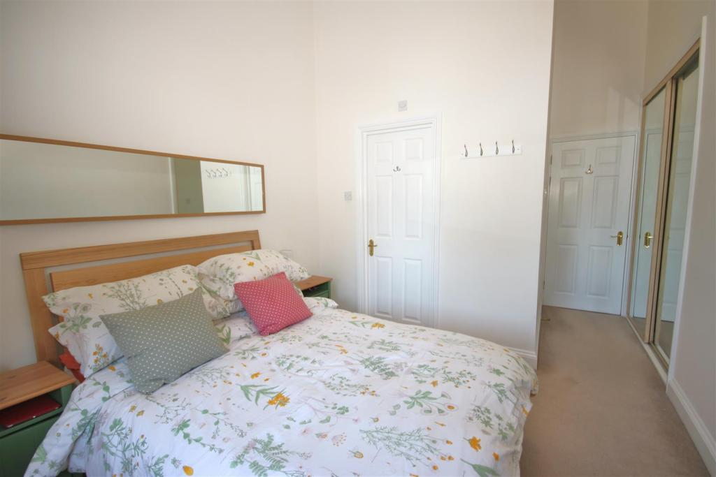 BEDROOM, PIC 2: