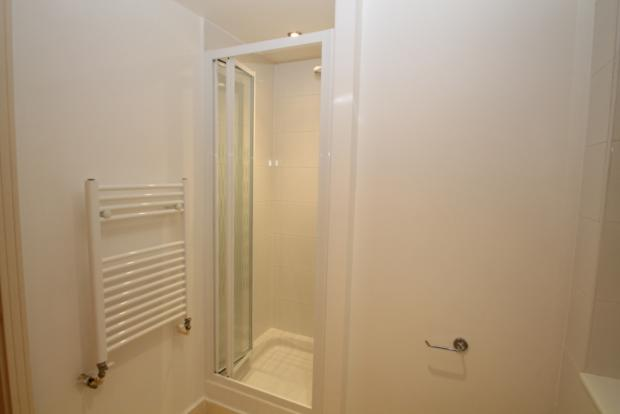 Shower cubicle in main bathroom