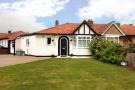 2 bed Bungalow in Wingfield Way...