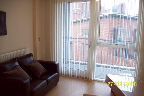 bedroom apartment to rent in 29 longleat avenue park central