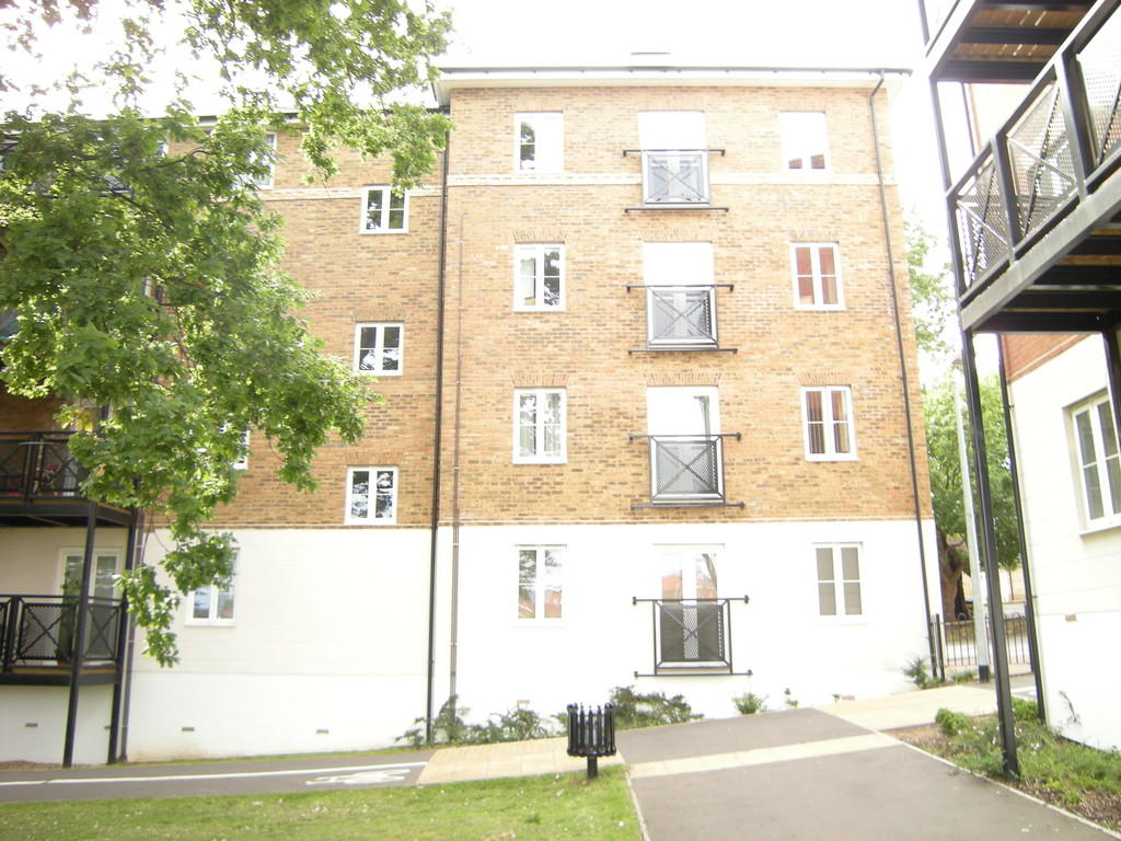 2 Bedroom Apartment To Rent In Bradford Drive Colchester Co4