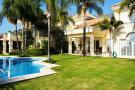 Villa for sale in Sierra Blanca...