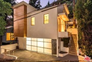 3 bedroom property for sale in California...
