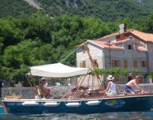 6 bedroom Villa for sale in Prcanj