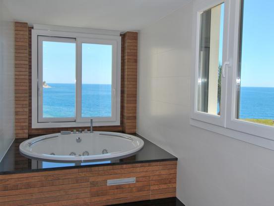 First Line Luxury Villa in Benissa, Bathroom