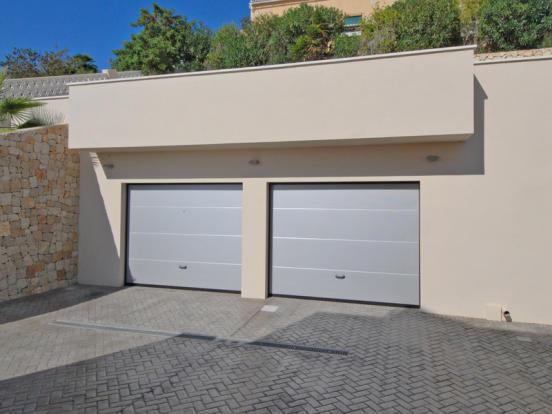 Luxury Villa in Moraira, garage