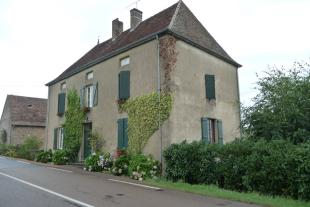 4 bed home in La Clayette...