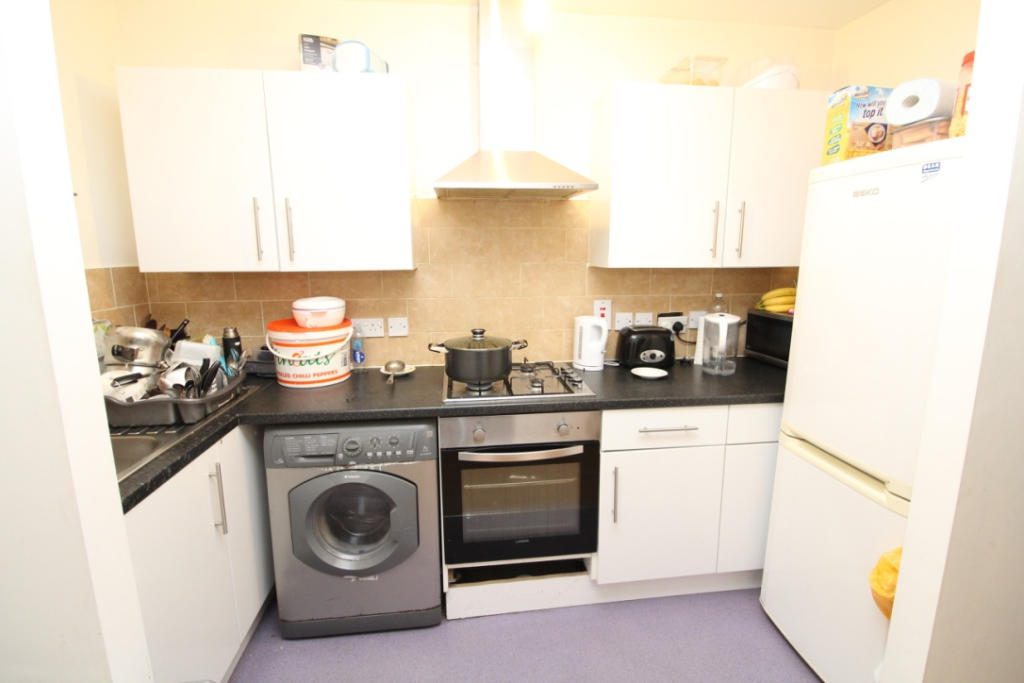 2 Bedroom Apartment To Rent In Swingate Lane Plumstead Se18 Se18