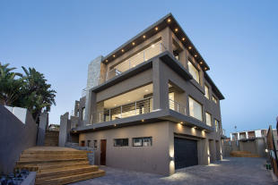 Villa for sale in Melkbosstrand...