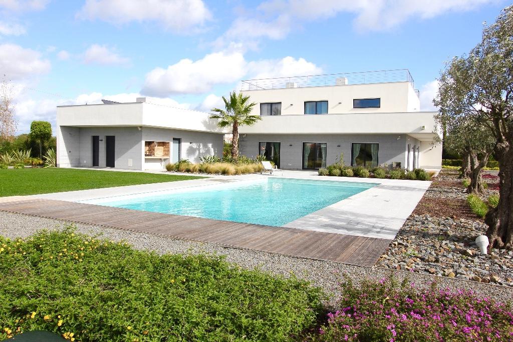 4 bed Villa in Carvoeiro, Algarve