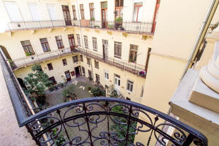 2 bed Flat in District Vi, Budapest