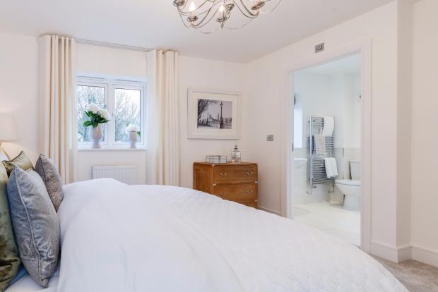 Bed 1 with En-Suire