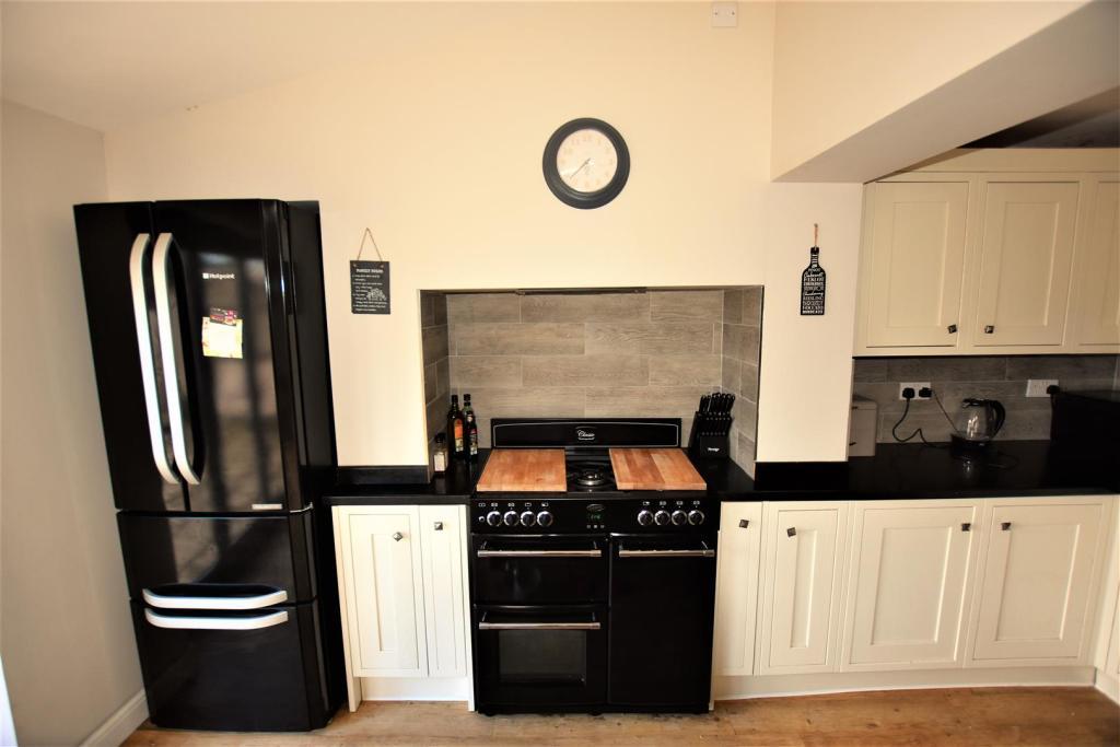 kitchen cooker.jpg