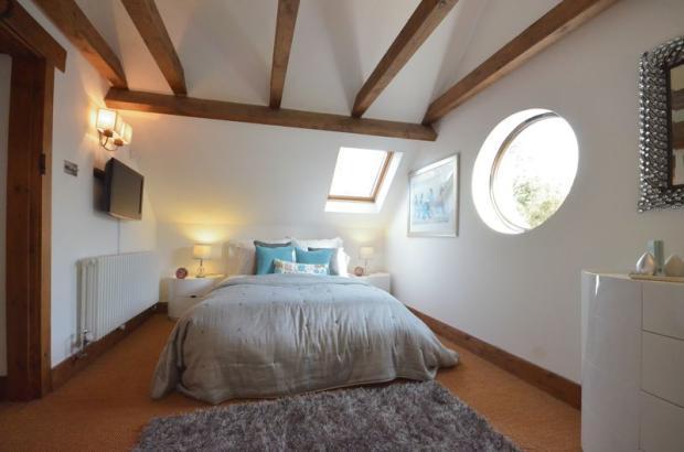 Bedroom 1 annax