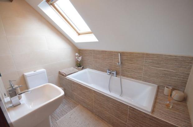 Bathroom in annax