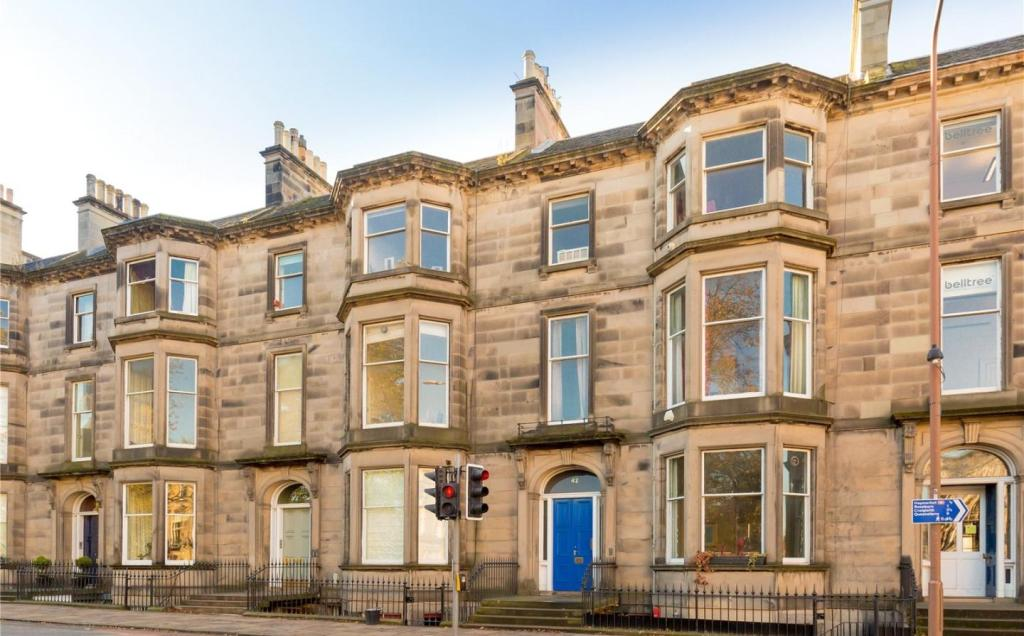 3 bedroom apartment for sale in 42a palmerston place west for Garden shed edinburgh sale