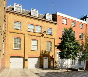 property to rent in 11 Grosvenor Hill, London, W1K