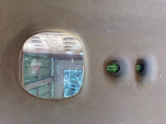 Mudhouse 2 window