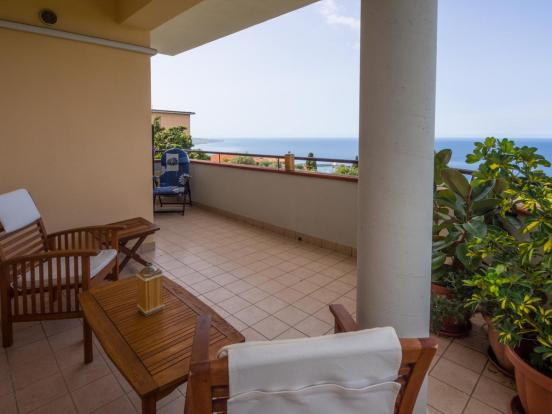 Furnished balcony