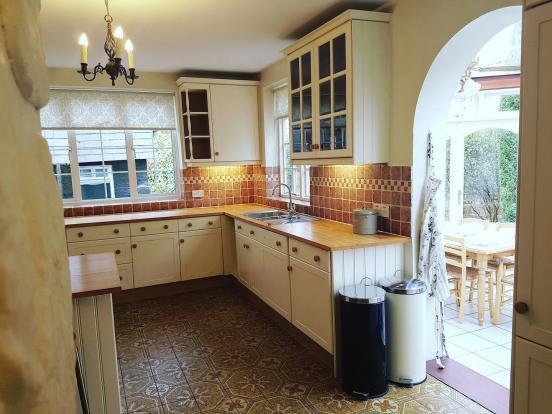 Ladge Kitchen